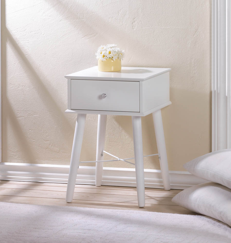 MODERN CHIC SIDE TABLE 10017523