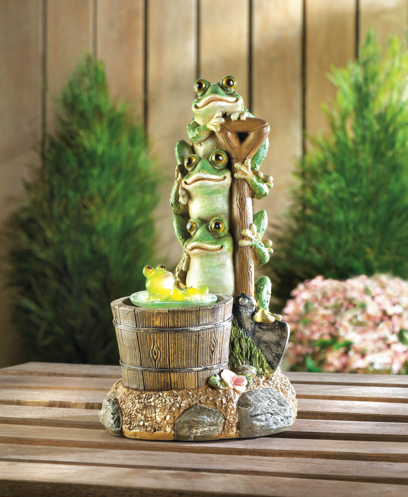 SOLAR ROTATING FROG GARDEN DECOR 10017855